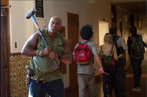Zombie-Apocalypse-Movie-Still-Nick-Lyon-Ving-Rhames